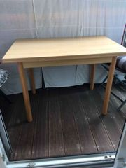 Esstisch und 2 Stühle