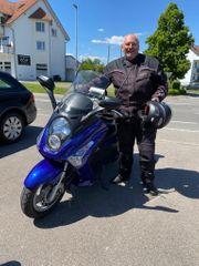 Gruppe Motorrad- u Motorrollerfahrer sucht
