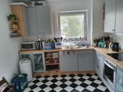 Voll funktionsfähige Einbauküche mit BOSCH-Geräten