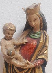 Antike Madonna mit Kind klassisch