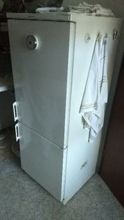 Kühl- Gefrierschrank zu verschenken