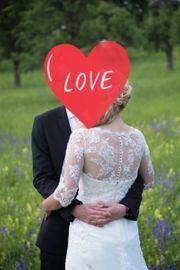 Traumhaftes Brautkleid mit Tattoo-Spitze und