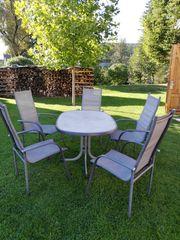 Gartentisch mit 5 Stühlen