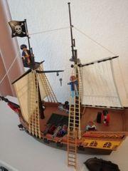 Großes Piratenschiff v Playmobil