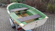 Ruderboot Reparatur erforderlich