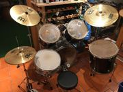 komplettes Schlagzeug