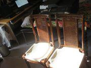 Stühle mit Rattangeflecht-Rückenlehne