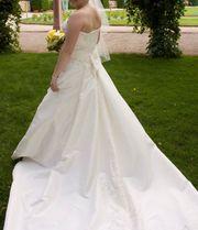 Wunderschönes Brautkleid von Eddy K