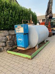 Dieselzapfsäule mit Tank