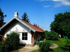 Ferienimmobilien Ausland - Ungarn Idyllisches Doppelhaus auf der