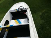 Sportboot Traile Motor 40 PS