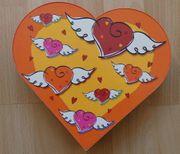 Geschenkdose Geschenkbox Verpackung in Herzform