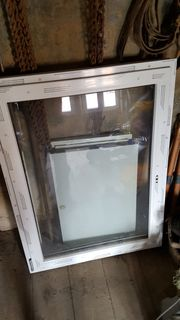 Kunststofffenster 900x1200 DIN Links