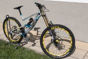 Canyon Torque DHX Flashzone Downhill-Bike