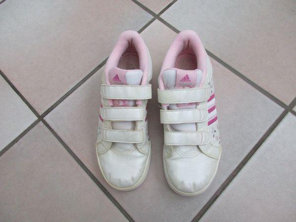 Adidas SneakerTurnschuh Mädchen Gr. 35: in Schwetzingen