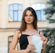 Russische Studentin bietet Sprachunterricht