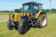 Traktor Allrad Schlepper mit Industriefrontlader