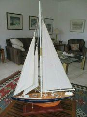 bildschöne Segelyacht -- Segelschiff Standmodell