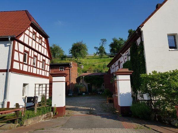 Zweiraumwohnung in 3-Seitenhof 07629 Reichenbach