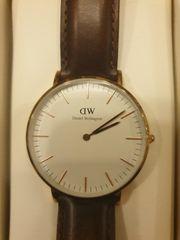 wunderschöne Damen Uhr von Daniel