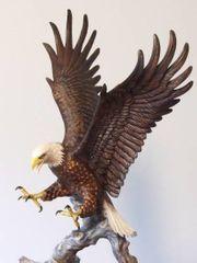 Skulptur Der Majestätische Adler mit