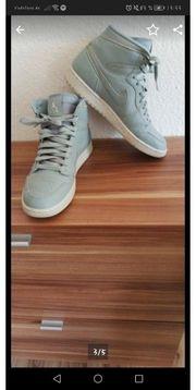 Nike air Jordan Retro Neu