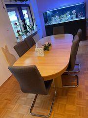 Großer Holzesstisch ausziehbar bis über