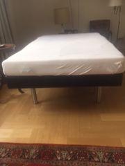 Schickes Bett aus Köln