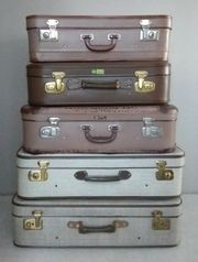 ALLERLEI Alte große Koffer jeder