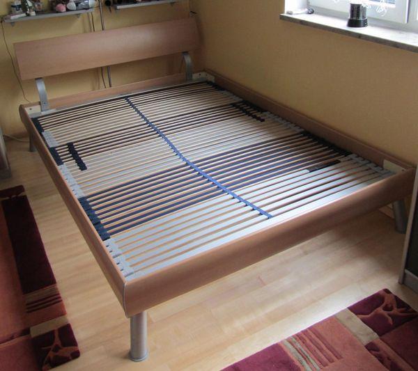 Sehr Bett, 140 x 200 cm, ohne Lattenrost, ohne Matratze in Dachau QU59