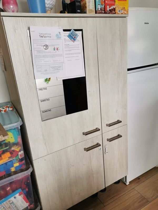 Kühlschrank mit Schrank