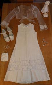 Kommunionkleid aus dem Modehaus Schöpf