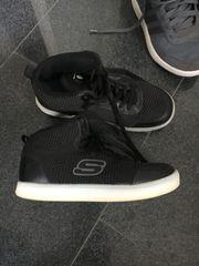 2 Paar Kinder-Jungen-Schuhe Größe 34