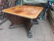 Schöner antiker Tisch mit Intarsien