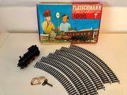 Elektrische Eisenbahn Modellbahn mit Schienen