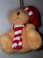 kleiner Bär mit Schal