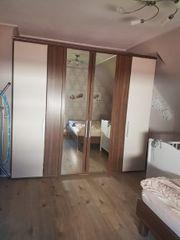Schlafzimmer Schrank Bett