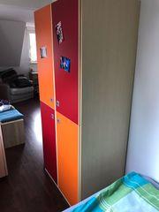 Kleiderschrank für Jugendzimmer