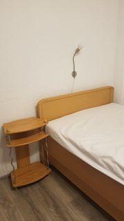 1 5 Bett mit Nachttisch