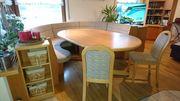 Tischgarnitur und Wohnzimmerverbau gratis