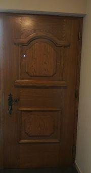 Haustür aus Holz Schreinerarbeit