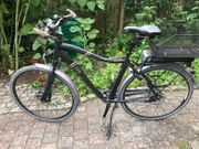 E-Bike Fahren mit Rückenwind
