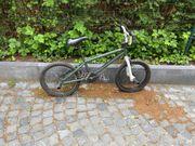 BMX Fahrrad mit zwei bremsen