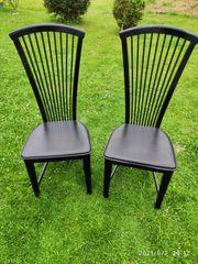 Zwei Stühle schwarz hochglanz