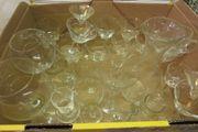 2 Kisten antike Gläser und