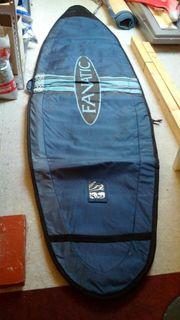 Surfausrüstung 2 Bretter mit Zubehör