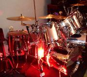 Drummer Schlagzeuger frei für Rock-Pop-Cover-Band