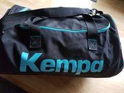 Große Sporttasche von Kempa schwarz