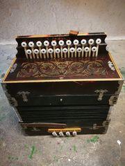 Akkordeon aus ganz alten Zeiten