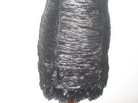 Schwarzes verführerisches Kleid mit Deko-Steinen: Kleinanzeigen aus Hamburg Billstedt - Rubrik Festliche Abendbekleidung, Damen und Herren